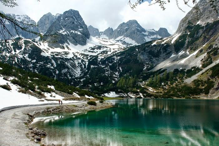 Frühjahrswanderungen: Seebensee in Tirol mit Bergpanorama