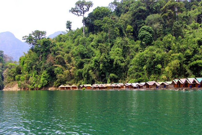 Floating Raft Houses Khao Sok Stausee