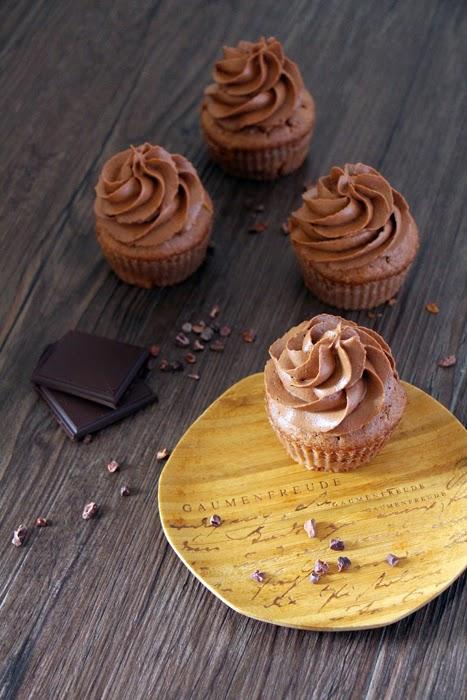 Schoko-Rhabarber-Cupcakes