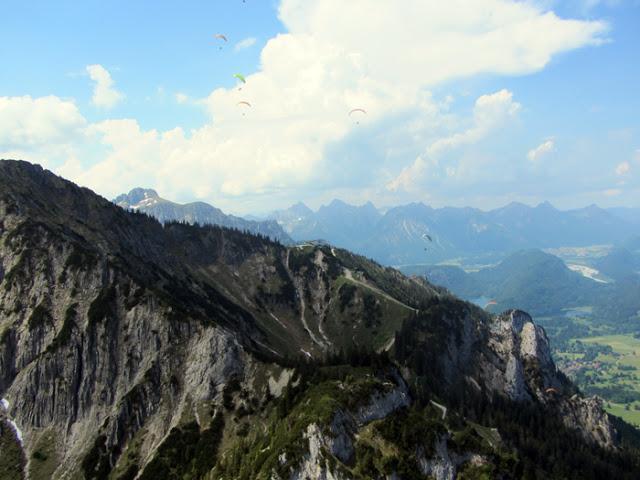 Paragliding am Tegelberg über Schloss Neuschwanstein