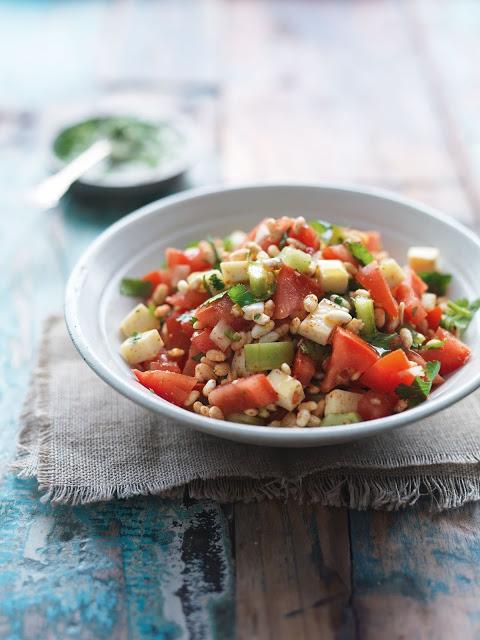 Easy indisch vegetarisch Salat mit Puffreis