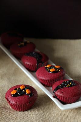 Red Velvet Cupcakes für Helloween