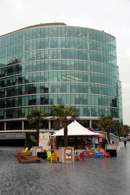 Beach Bar an der Themse in der Nähe der City Hall