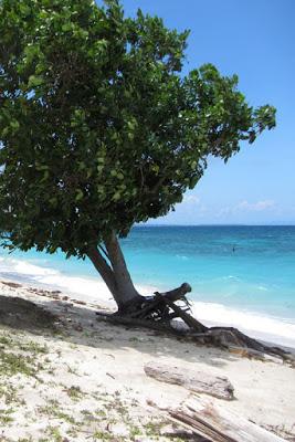 Strand Maliangin Island