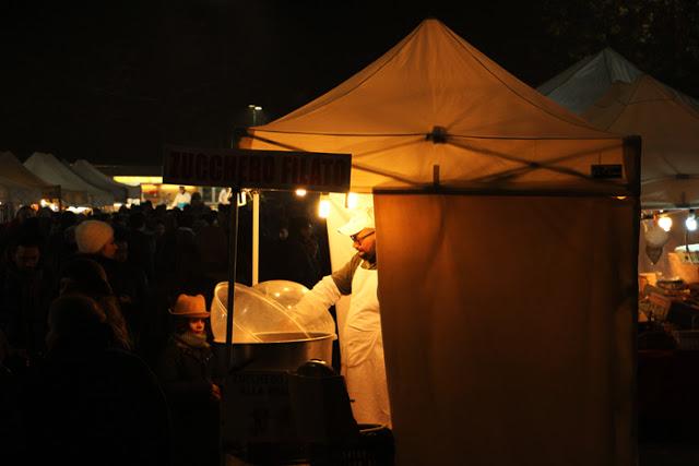 Oh bej! Oh bej! Weihnachtsmarkt in Mailand
