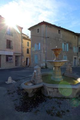 Pernes-les-fontaines Brunnen