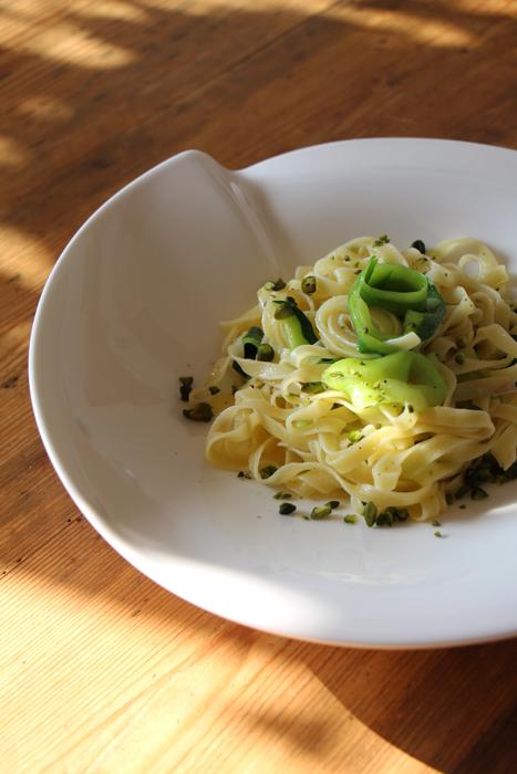 Tagliatelle mit Zucchini und Pistazien