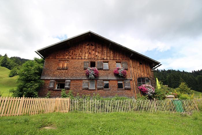 Schindeln an einem Bregenzerwälder Haus, Vorarlberg