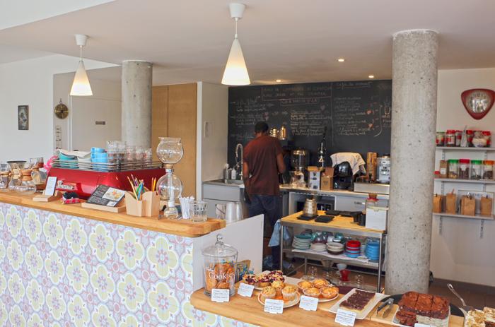 Fair Trade Cafe in Nantes am Flussufer