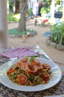 Reis und Curry im Icebair Restaurant, Negombo