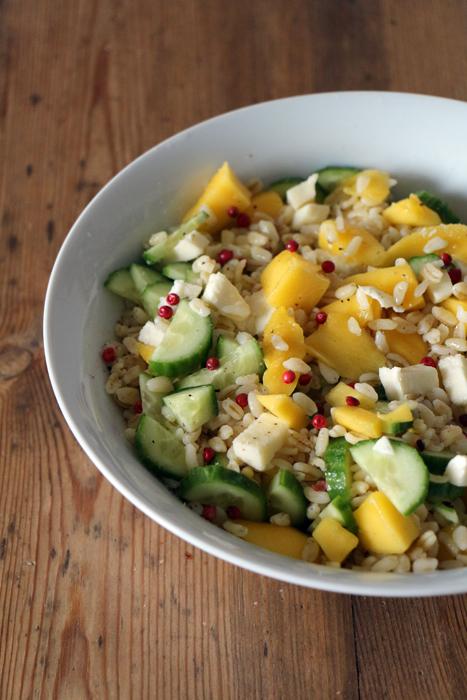 Weizen-Salat mit Mango