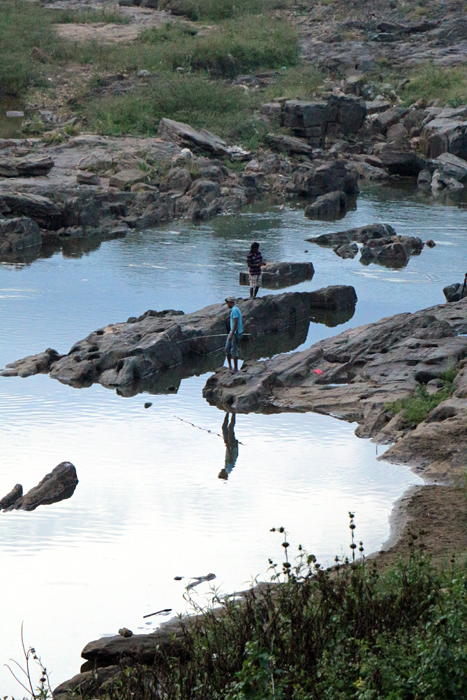 Angler am Kandy River