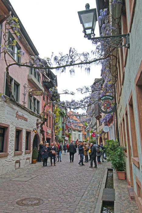 Gasse in Freiburgs Altstadt