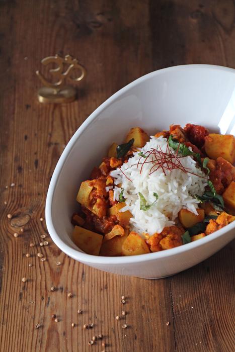 Aloo Gobi - indisches Kartoffel-Blumenkohl-Curry