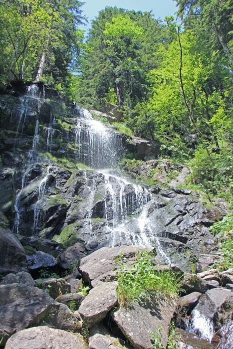 Wanderung zu den Zweribach-Wasserfällen