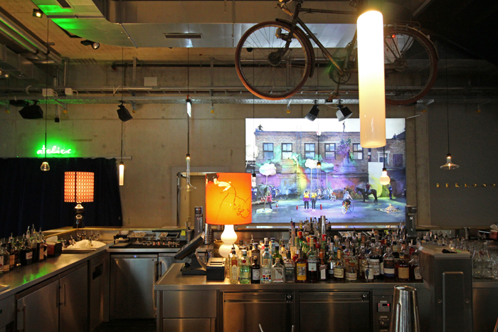 25hours Bar & Künstler atelier