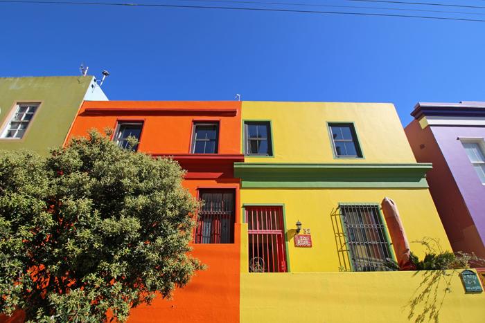 Bunte Häuser im Arbeiterviertel Bo-Kaap in Kapstadt