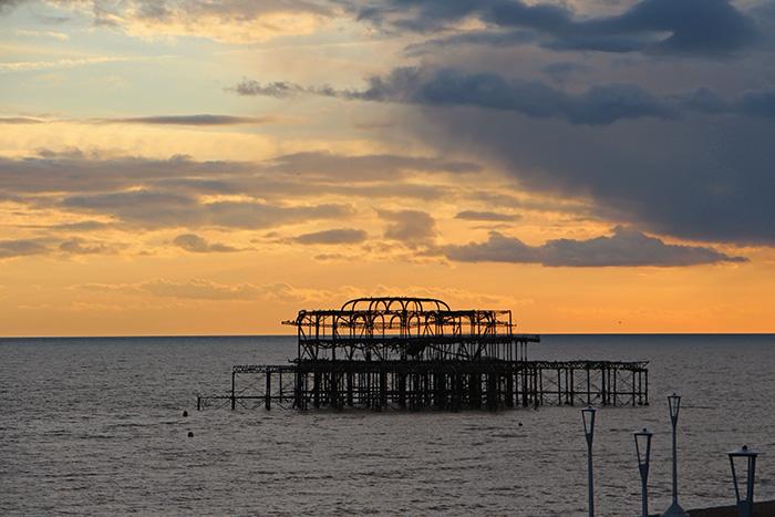 Sonnenuntergang West Pier, Brighton