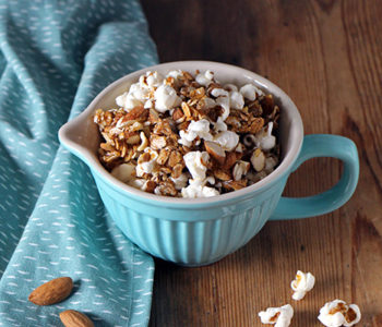Popcorn-Granola