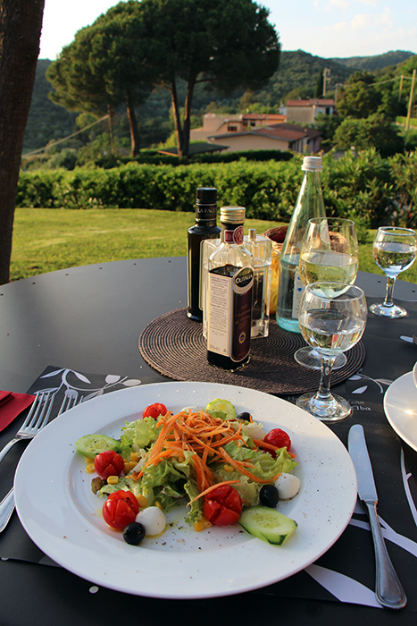 Salat im Restaurant Santo Stefano, Elba