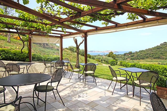 Terrasse im Hotel Santo Stefano