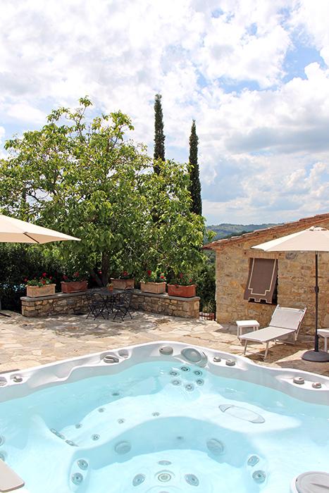 Whirlpool im Ferienhaus in der Toskana