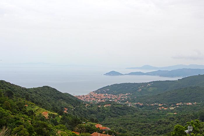 Ausblick auf Elba von Marciana aus