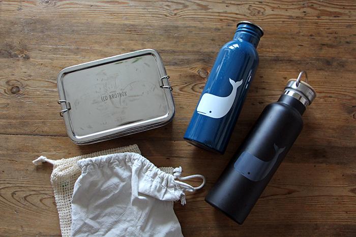 Zero Waste Hilfsmittel (Beutel, Edelstahl-Flasche, Brotzeitdose)