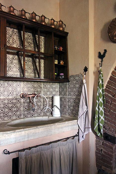 Trinkwasserfilter im Ferienhaus zum Filtern von Leitungswasser