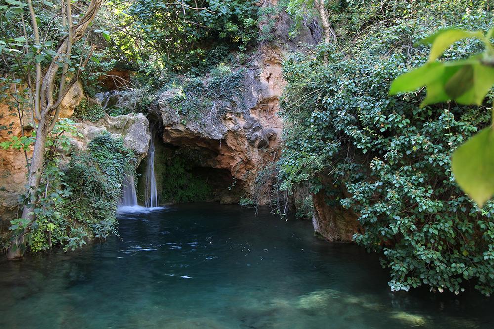 Wasserfall am Fluss Bohilgues, Provinz Valencia in Spanien