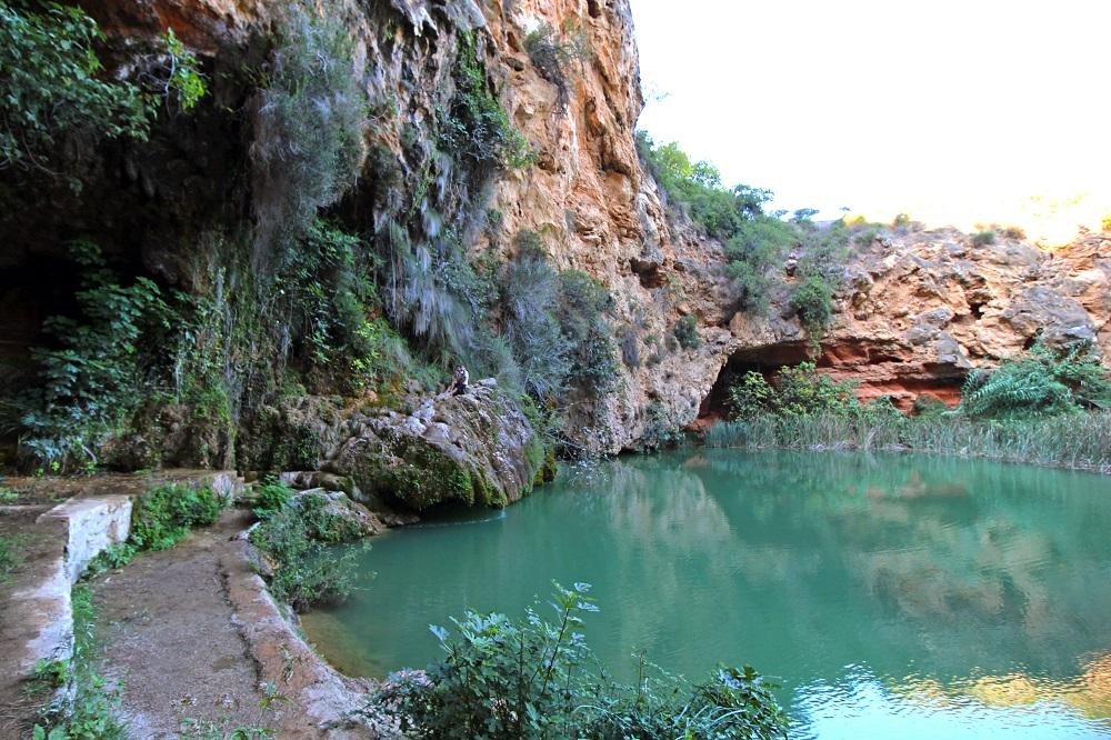 Curva Turche in der Region Bunol in der Provinz Valencia, natürlicher Badeplatz und Wasserfall