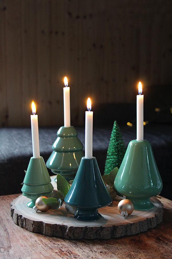 selbstgemachter Adventskranz mit Baumscheiben und Kerzenhaltern von Kähler Design