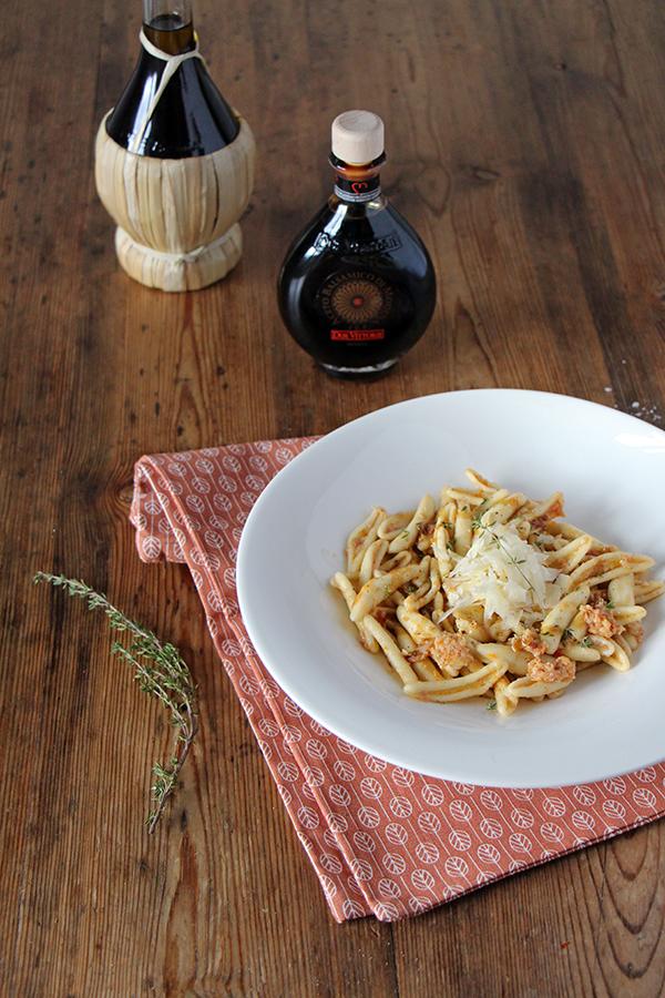 Fusilli mit Pesto aus Artischocken, einfaches Pasta-Rezept (vegetarisch)