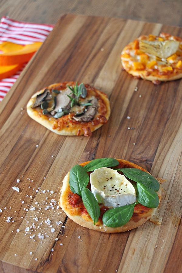 Minipizza mit Ziegenkäse und Spinat