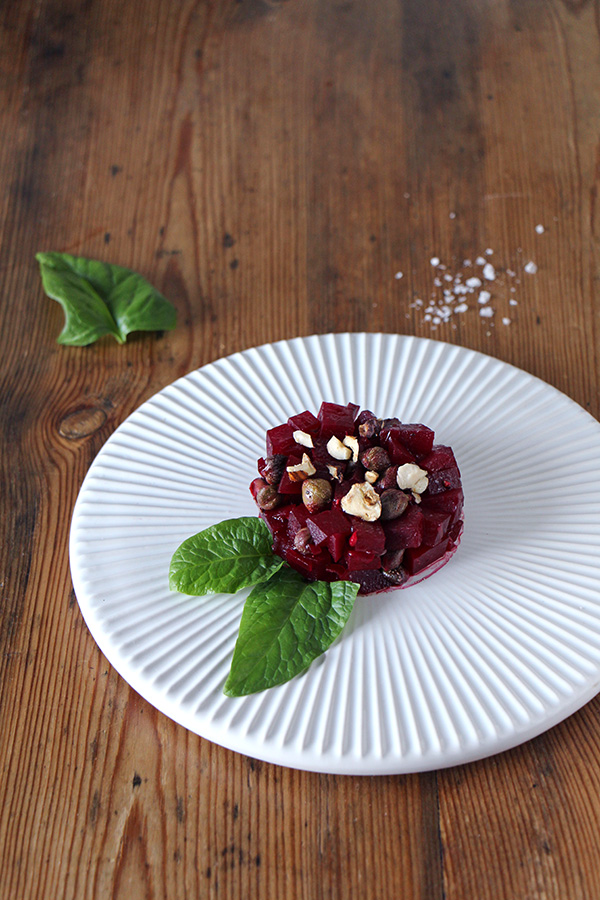 Rote-Bete-Tartar mit Kapern, vegane Vorspeise