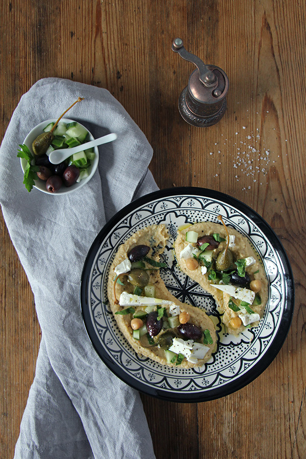 Loaded Hummus mit Toppings, vegan