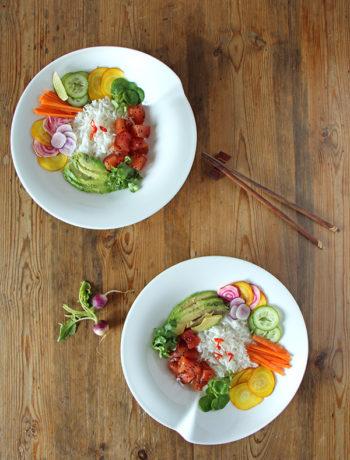 Poke Bowl mit veganem Thunfisch aus Wassermelone