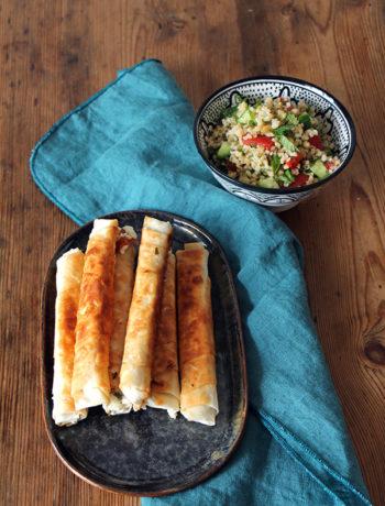Türkische Sigara Börek mit Bulgursalat