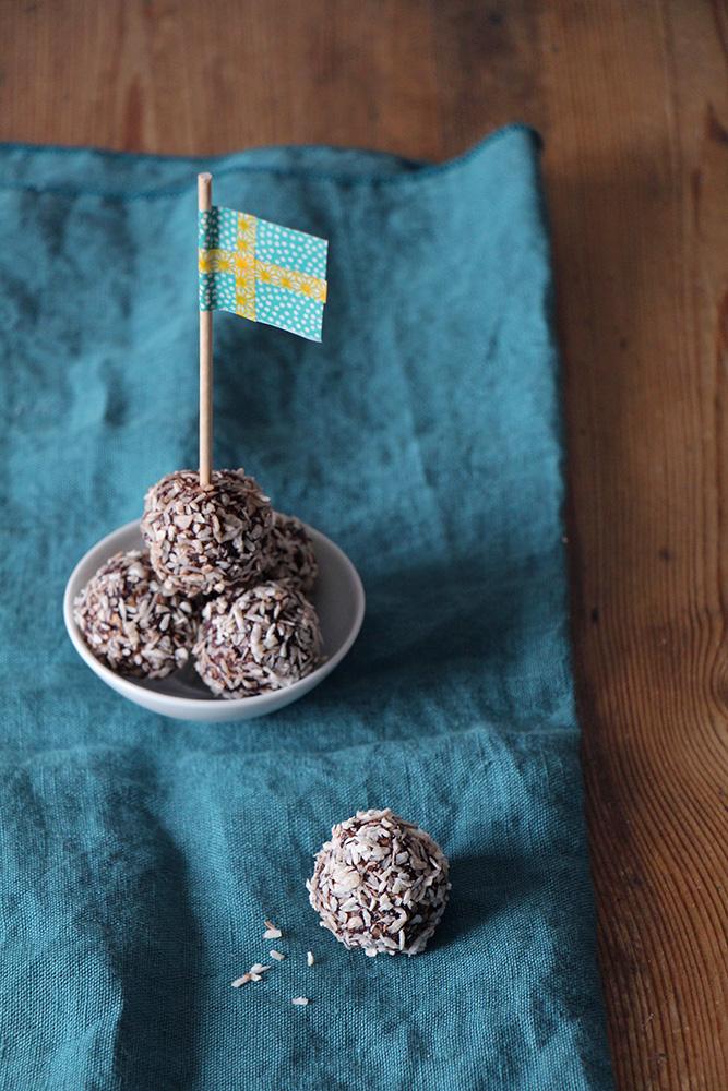 Chokladbollar - schwedische Schoko-Kokos-Kugeln