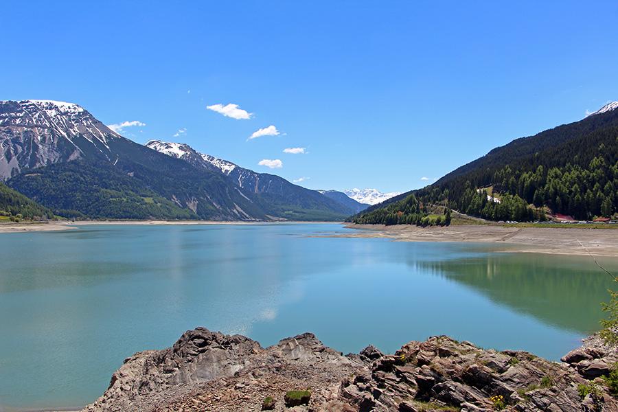 Reschensee und Berge