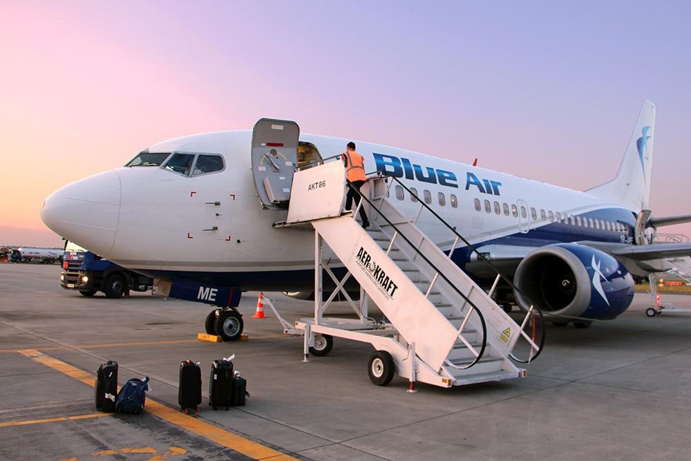 Flugzeug von Blue Air in Iasi, Rumänien
