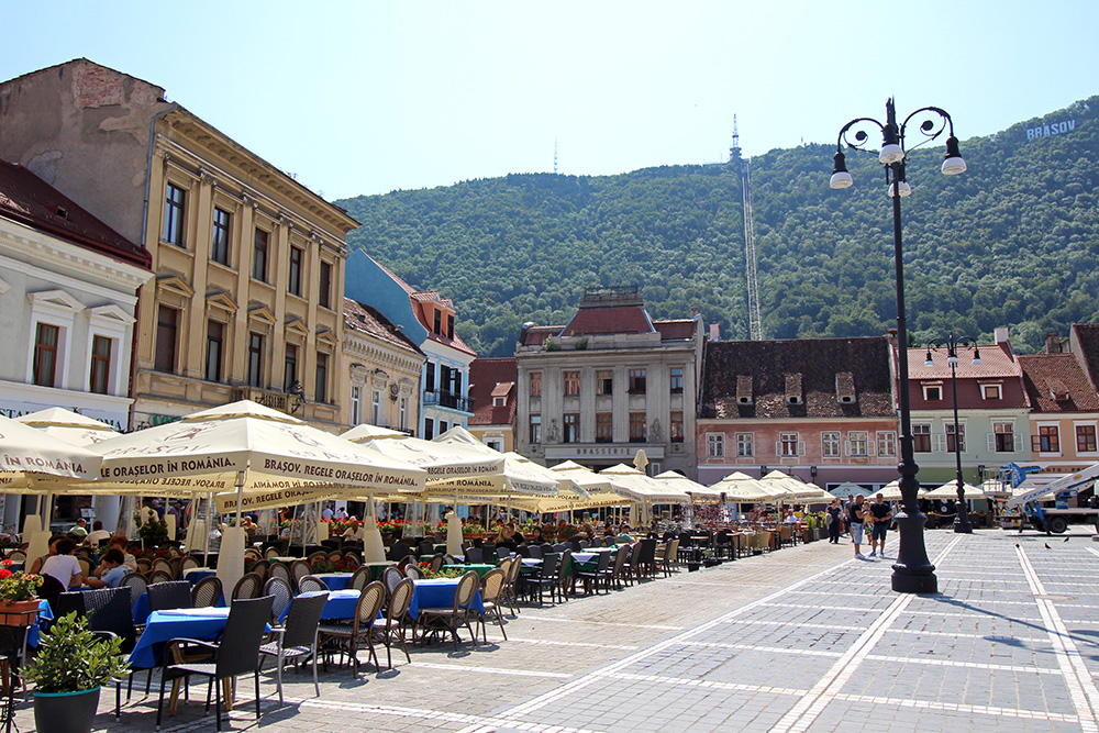 Restaurants am Piata Sfatului, Hauptplatz in Brasov