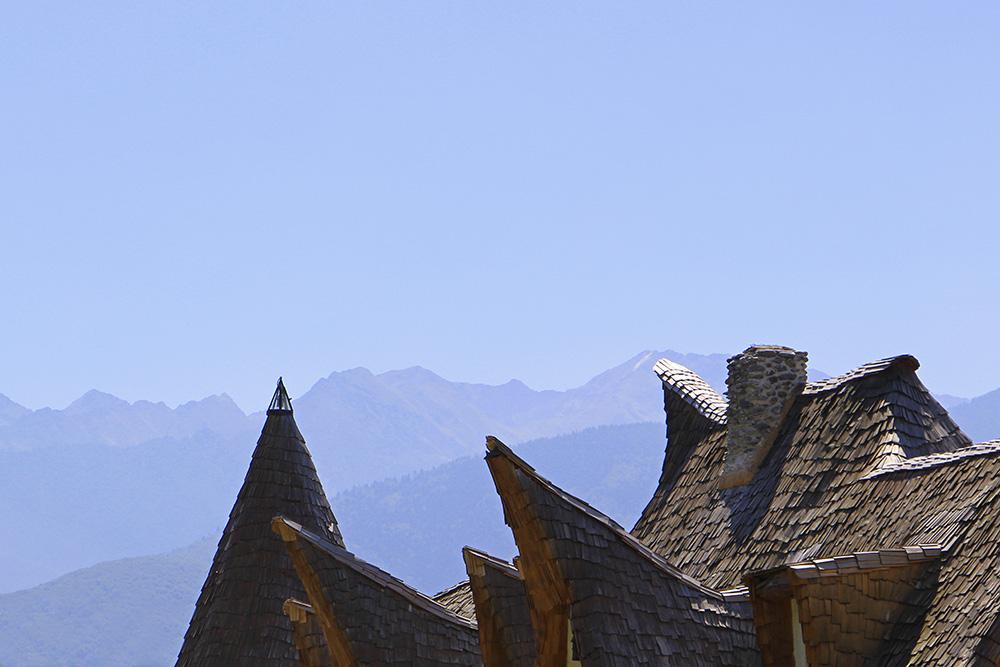 Castelul de Lut Valea Zanelor Märchenschloss in Rumänien vor den Karpaten