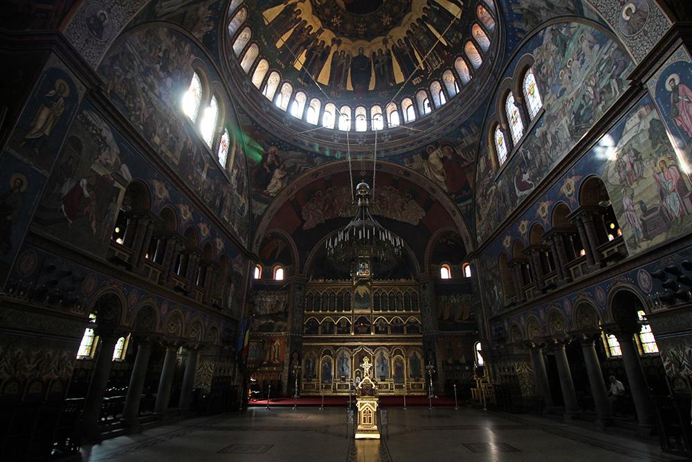 Catedrala-Sfanta-Treime-Sibiu-Kathedrale-2-web