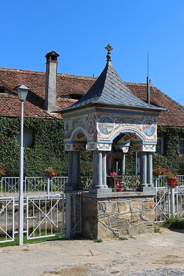 Rasinari - Brunnen oder Gedenkstätte