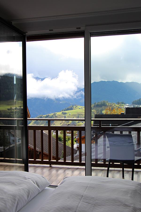 Balkon mit Bergblick im Chesa Monte