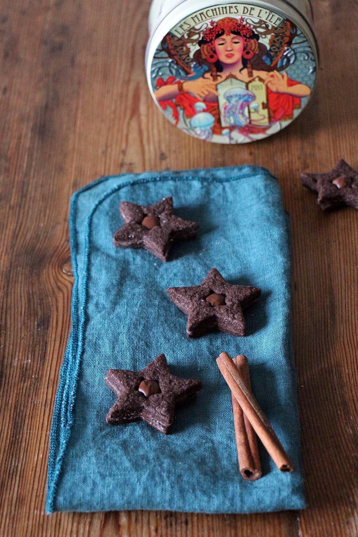 Vegane Schoko-Sterne mit Nougatfüllung