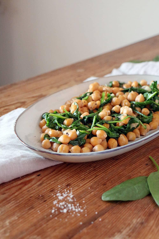 Vegane Tapas - Kichererbsen mit Spinat