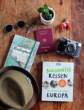 Reise Flatlay: Nachhaltiges Reisen in Europa
