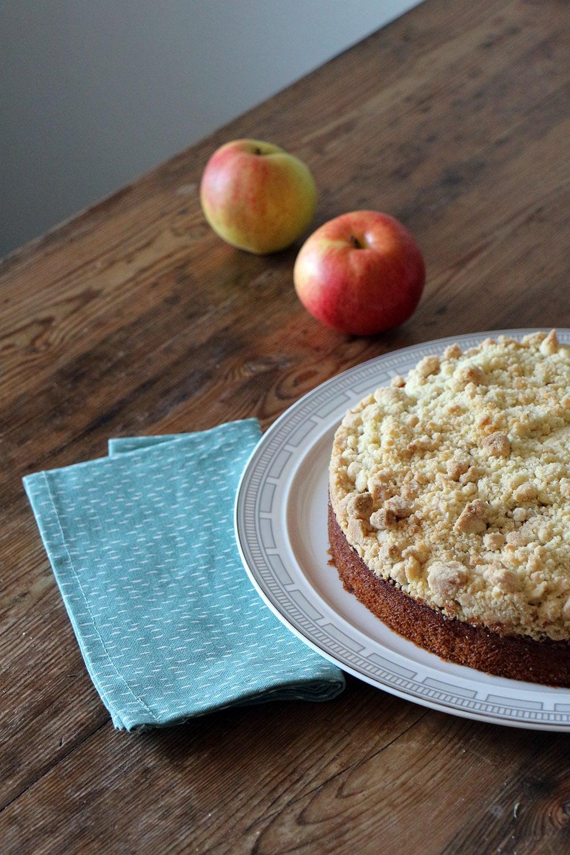 Apfel-Zimt-Kuchen mit Streuseln